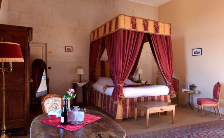 Chambres d'hôtes insolites au Château de la Motte nuit-insolite-chambres-hotes-hebergement-atypique-sejour-romantique-amoureux-chateau-de-la-motte-poitou-charentes-vienne-usseau