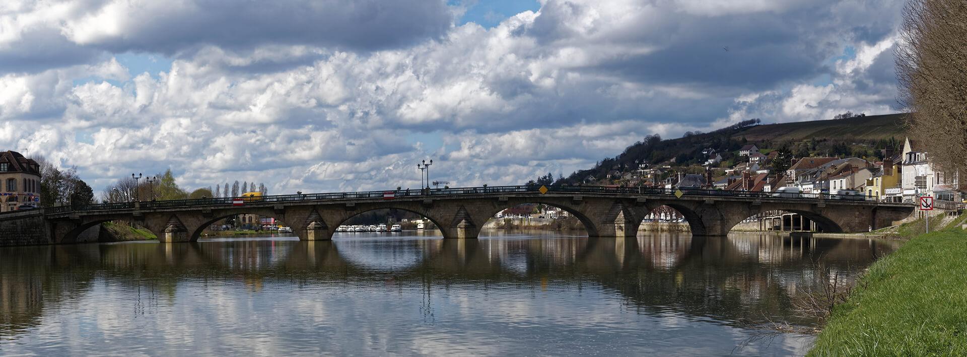 Pont cliché RP Tourisme Joigny Jovinien - fwe