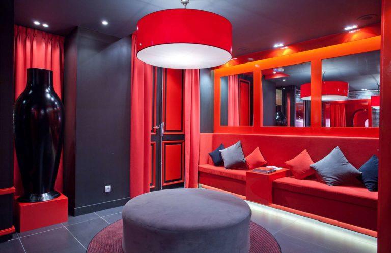 Hôtel insolite One by the five, expérience unique à Paris weekend-nuit-insolite-hebergement-atypique-unique-romantique-coeur-paris-quartier-rue-mouffetard-latinhotel-one-by-the-five-experience-escapade-parisienne