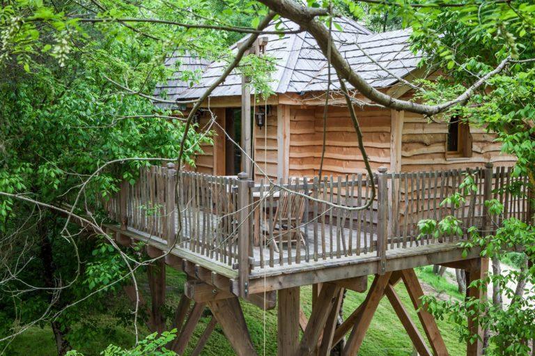 Château dans les arbres, séjour insolite au Domaine EcÔtelia hebergement-insolite-weekend-amoureux-romantique-sejour-cabane-chalet-gironde-landes-sauternes-gascogne-nature-campagne-ecoligie-chateau-arbres