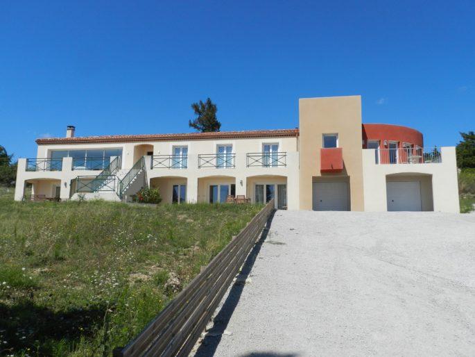 Séjour Chambres d'hôtes domaine Campras (Carcassonne) chambres-hotes-aude-location-insolite-roulotte-cabane-domaine-campras-carcassonne-weekend-amoureux-romantique-sejour-vacances-castelnaudary-canal-midi-saissac