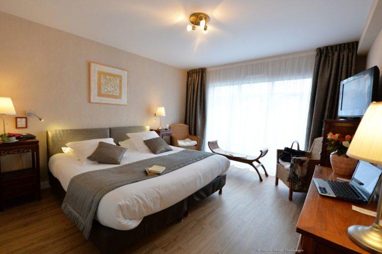 Hôtel 3* piscine et Spa Golfe du Morbihan Le Parc Er Greo hotel-piscine-spa-parc-er-greo-bretagne-morbihan-arradon-hebergement-sejour-nuit-chambre-romantique-vue-mer-ocean-confort