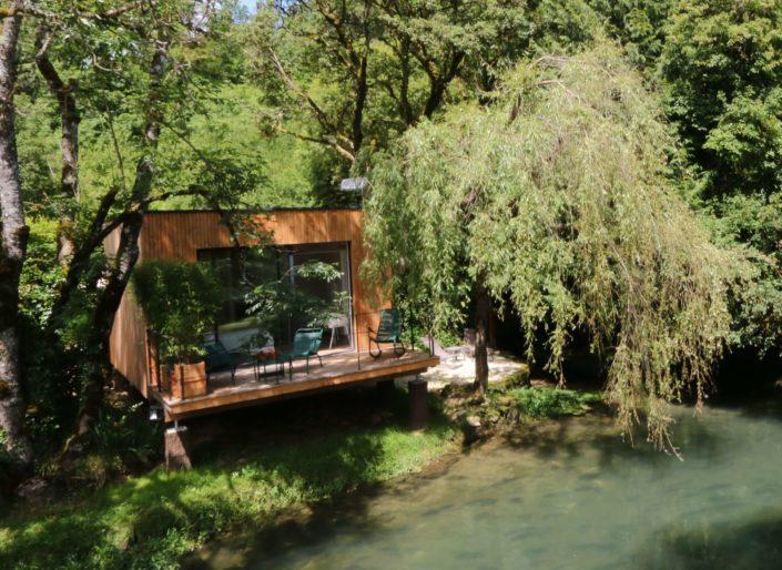Le Cube : Pont de la Roche, Gîte insolite weekend-amoureux-bourgogne-hebergement-romantique-haut-de-gamme-luxe-spa-gite-atypique-campagne-proche-dijon-cote-or-calme-detente-chalet-gite-cabane-domaine-pont-roche-cube