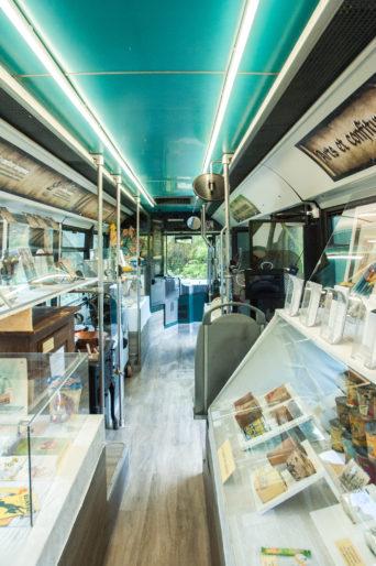 Espace Game insolite dans un bus aux Confitures du Climont espace-game-insolite-bus-producteur-artisant-confitures-du-climont-alsace