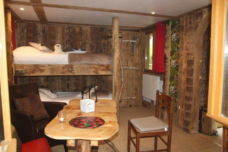 Cabanes Forestière et Trappeur Camping Le Cœur de la Forêt location-hebergement-insolite-weekend-sejour-romantique-nid-dans-arbre-cabanes-perchees-forestiere-pierrefonds-oise-picardie-haut-de-france