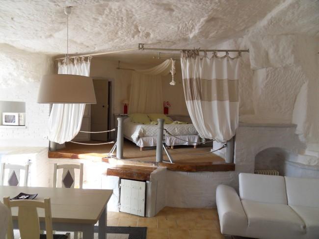 Troglododo hôtel trogodite à Azay le Rideau en Touraine, vallée des rois Troglododo, hôtel de charme 3* weekend insolite en Touraine week-end-insolite-hebergement-weekend-atypique-maison-troglodytique-troglododo--touraine-vallee-loire-azay-le-rideau-nuit-romantique-amoureux