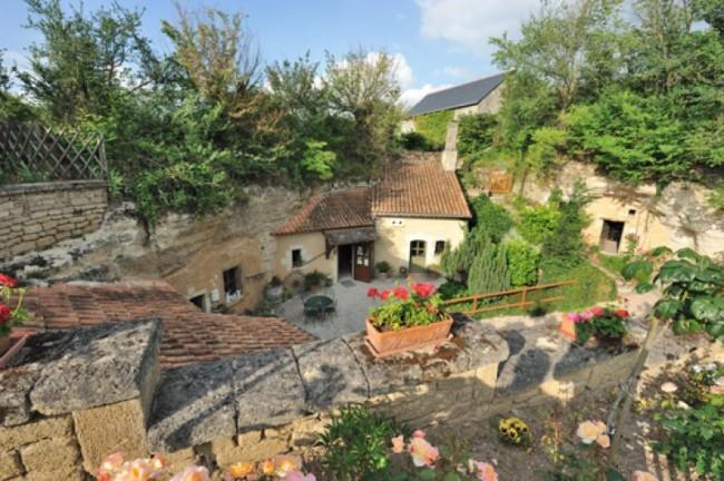 Les Caves de la Genevraie, Restaurant troglodytique à Rocaminori, Anjou caves-genevraie-restaurant-troglodytique-n-hotel-troglodyte-saumur-anjou-weekend-romantique-amoureux-sejour-atypique-troglo