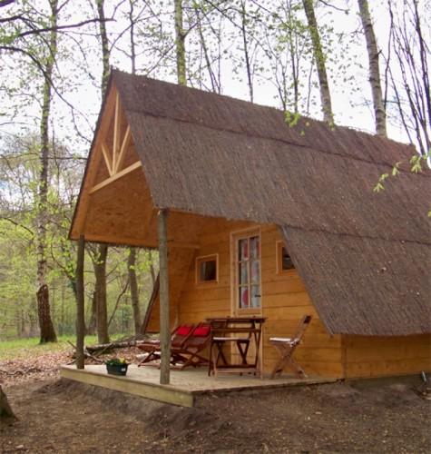 Cabane d'Eugénie Camping Le Cœur de la Forêt location-hebergement-insolite-weekend-sejour-romantique-nid-dans-arbre-camping-coeur-foret-pierrefonds-oise-picardie-haut-de-france-eugenie-vacances