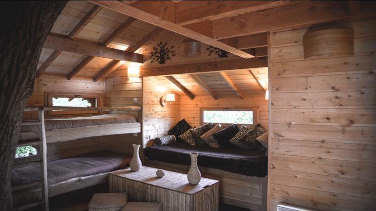La Cabane de la rivière, une cabane perchée pour rêver