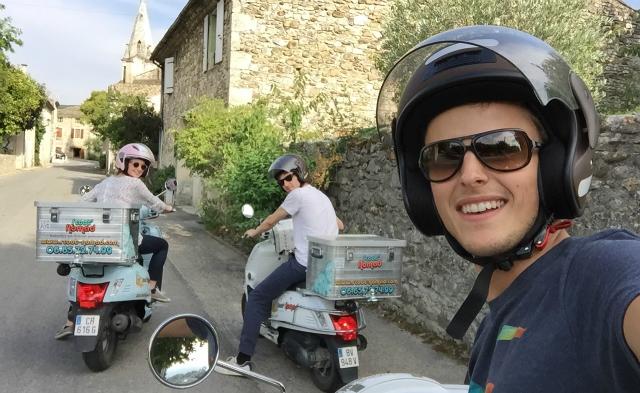 scoot nomad tourisme insolite a scooter drome provençale 88