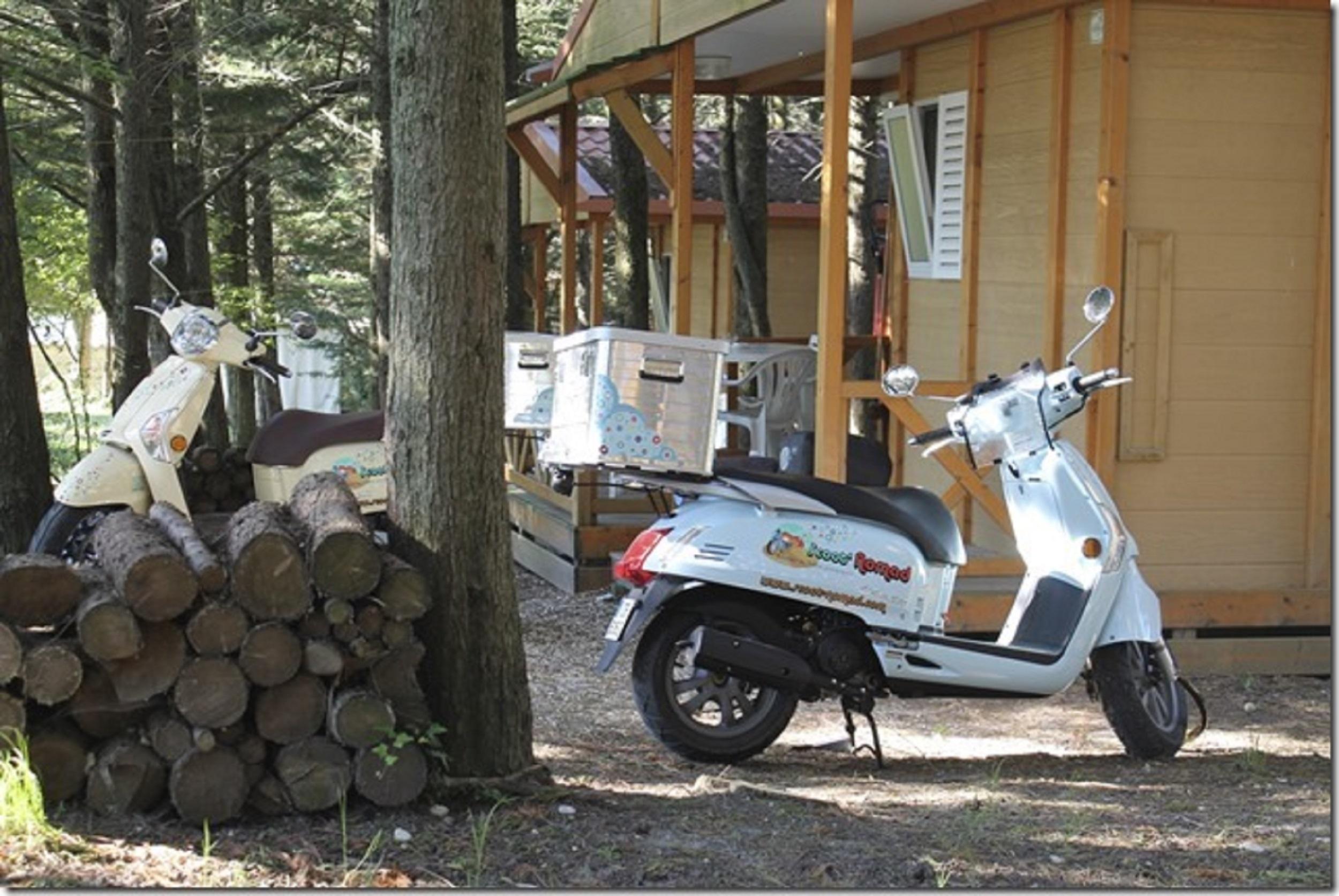 Scoot Nomad, balade insolite en scooter scooter tourisme en mobylette drome