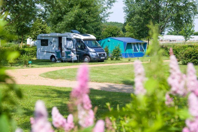 Camping **** Domaine de l'Etang en Anjou camping-domaine-etang-brissac-quince-anjou-angers-vallee-aubance-loire