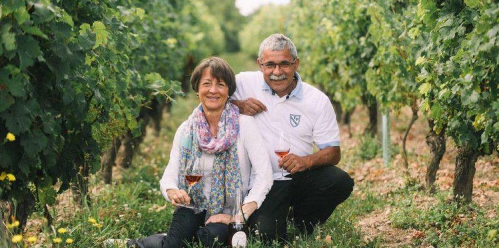 Dégustation au domaine de Noiré vigneron BIO à Chinon degustation-au-domaine-de-noire-vigneron-bio-chinon-touraine-vin-biologique-cave-visite-oenotourisme-caleche-vigneron-viticulteur-raisin-cepage-terroir