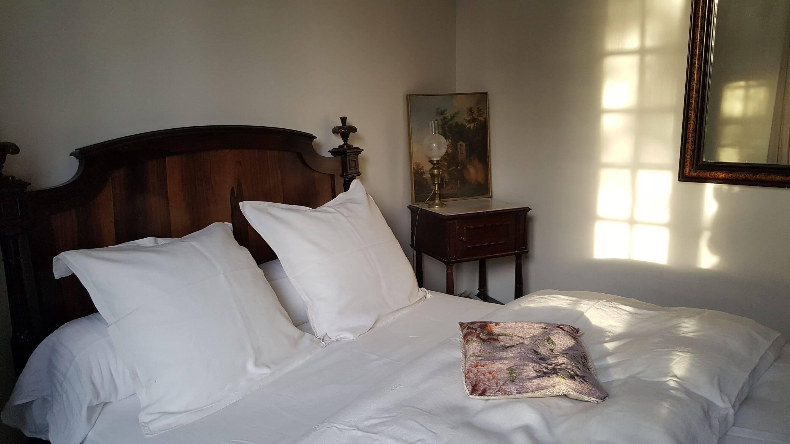 Chambres d'hôtes de charme au Château de Puichéric weekend-insolite-hebergement-atypique-sejour-romantique-nuit-amoureux-chambres-hotes-de-charme-au-chateau-de-puicheric-aveyron-occitanie-carcassonne