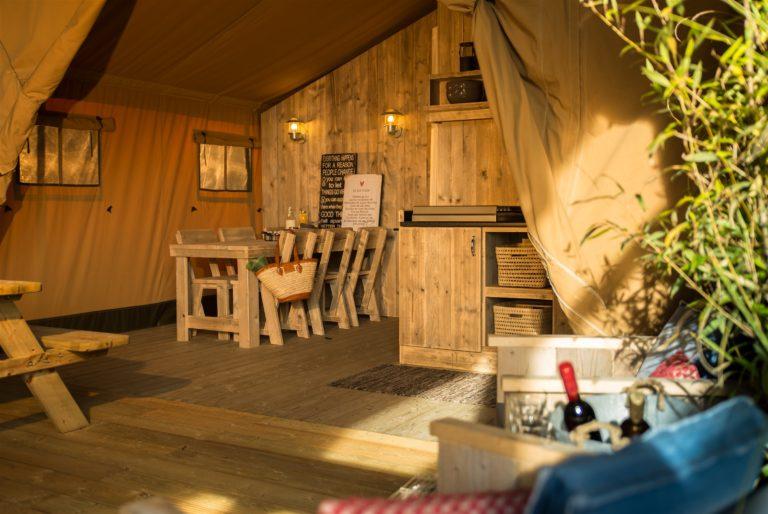 Glamping Lac du Causse-Tentes GLAMPING Camping 3* du Lac du Causse en Limousin location-hebergement-insolite-sejour-nature-camping-du-lac-du-causse-limousin-chalets-bois-famille-enfant-activite-terrasse-tentes-safaraid