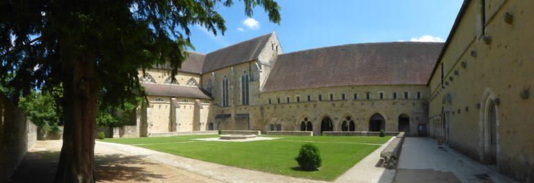 Cloitre-Abbaye-Epau Abbaye-de-l-Epau-Le-Mans Visite historique de l'Abbaye Royale de l'Epau au Mans visite-historique-abbaye-royale-epau-mans-monument-cystercien-cystercienne-moine-yvre-eveque-sarthe-pays-de-la-loire