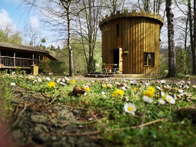 La Tour Camping Le Cœur de la Forêtlocation-hebergement-insolite-weekend-sejour-romantique-nid-dans-arbre-cabanes-perchees-pierrefonds-oise-picardie-haut-de-france-tour