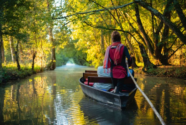 Embarcadère la Venise Verte, balade en barque balade-marais-poitevin-guide-batelier-embarcadere-la-venise-verte-balade-en-barque-le-mazeau-vendee-pays-de-la-loire