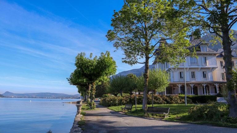 Le Pavillon des Fleurs sur le Lac d'Annecy   Ternélia ...
