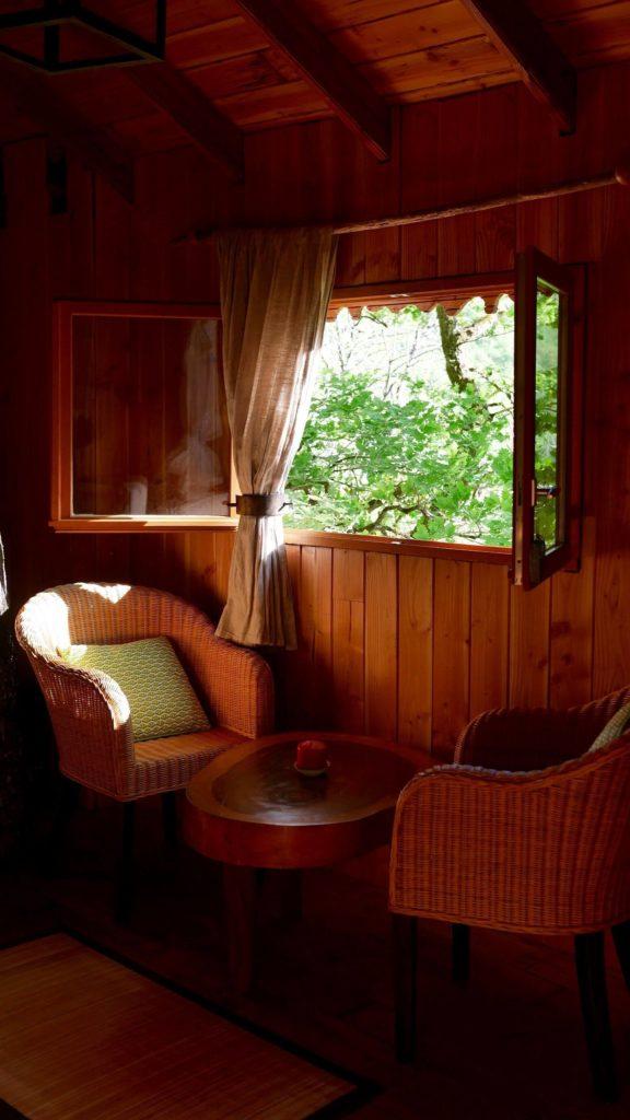 Hêtre sous le Charme, Nuits dans les arbres à Saint Martial Entraygues location-cabane-chambre-charme-romantique-amoureux-nuits-insolites-arbres-perches-dordogne-correze-nature-repos-zen-relaxation-detente-weekend-sejour-vacances-hebergement-foret-bois