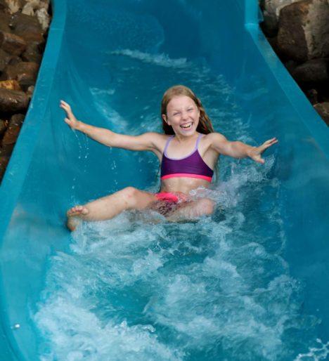 Le toboggan aquatique 5  labyrinthes aventure et forêt enchantée... labyrinthes-loisir-detente-activite-enfants-famille-we-weekend-insolite-aventures-ferme-aventure-vosges