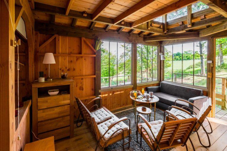 salon cabane Séjour en cabane jacuzzi cœur du Gers Domaine d'Escapa sejour-insolite-cabane-famille-spa-jacuzzi-we-weekend-atypique-domaine-escapa-estipouy-auch-tarbes-gers-occitanie
