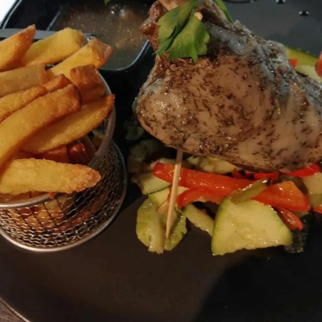 Restaurant le Sloop en Vendée, face au port restaurant-le-sloop-en-vendee-face-au-port-terrasse-ocean