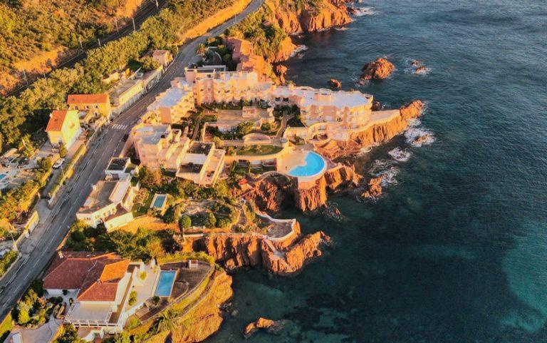 Crique privée de la résidence hôtelière du Cap Nérée près de Saint Raphaël