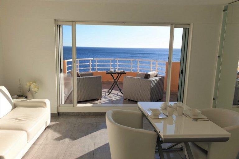 Location d'un T2 dans une résidence insolite entre mer Méditerranée et Massif de l'Estérel près de Saint Raphaël avec HC Azur