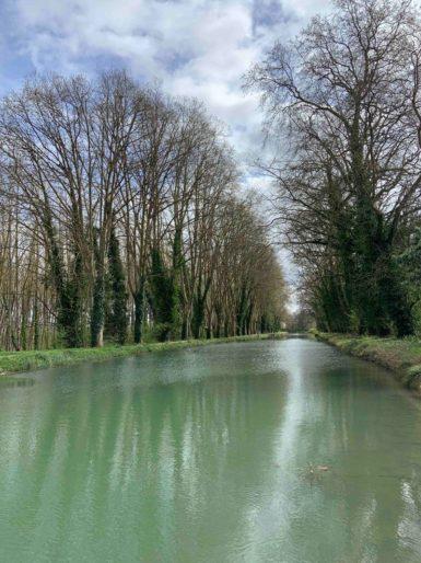 Canal du Midi depuis le village de Villeton