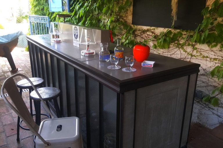 chambre-hotes-mandelieu-clos-des-vignes-degustation-bar-privé-06