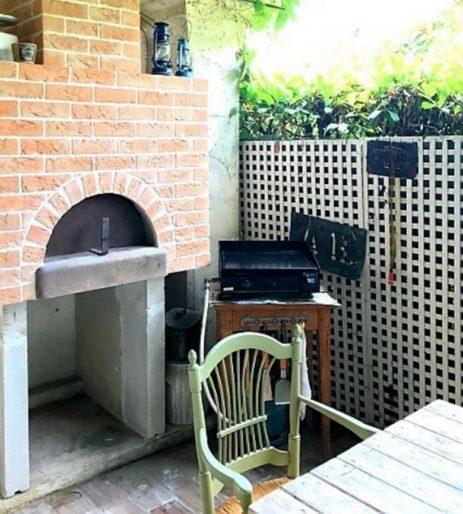 chambre-hotes-mandelieu-clos-des-vignes-four-a-pizza-barbecue