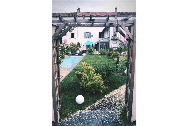 De la chambre au jardin